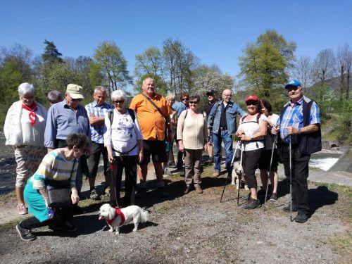 Mitglieder des Seniorenrings Feldkirch hatten sich zu einer Wanderung entlang der Frutz aufgemacht. Verein