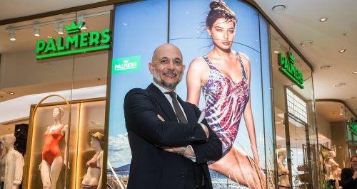Palmers-CEO Marc Wieser vor dem neu gestalteten Shop im Dornbirner Messepark.VN/Steurer
