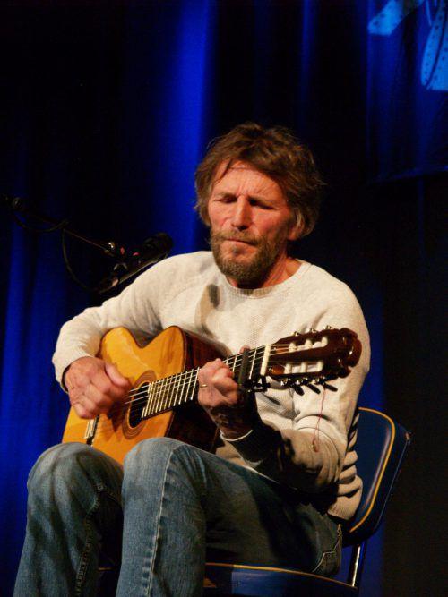 Sänger Hans Söllner präsentierte im Alten Kino in Rankweil ungeschönte Selbstbekenntnisse und gesellschaftskritische Songs. SIE