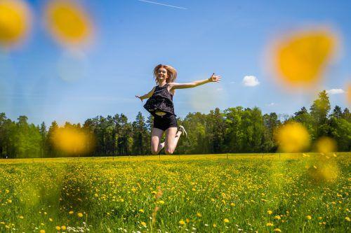 Schon im April konnte Martha aus Feldkirch problemlos ihre luftig-leichte Frühjahrsgarderobe ausführen und die Leichtigkeit des Seins genießen. vN/steurer