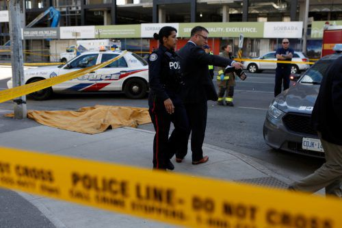 Schreckliche Szenen am Montag in Toronto. Ein Lieferwagen raste mitten in der Stadt in eine Fußgängergruppe. Reuters