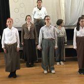 Textilien als Theaterthema