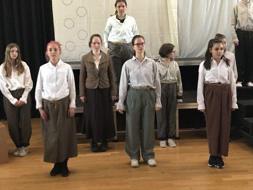 Schüler der Montessori Schule Altach hatten über sieben Monate hinweg ein Theaterstück einstudiert. MIMA