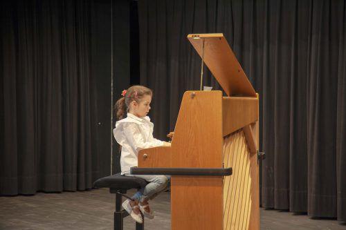 Stolze kleine Musikanten präsentierten, was sie in diesem Schuljahr gelernt hatten.