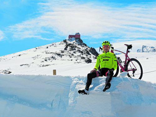 Unter Spaniens Sonne und im Schnee der Sierra Nevada: Matthias Brändle kann das Teamtrainingslager auch genießen.Trek-Segafredo