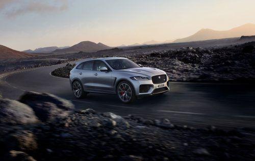 Von einem 5,0-Liter-V8 wird der Jaguar F-Pace angetrieben, der 550 PS an alle vier Räder schickt. Dank eines maximalen Drehmoments von 680 Newtonmeter geht es innerhalb von 4,3 Sekunden aus dem Stand auf Tempo 100. Für das passende Klangbild soll eine Titan-Abgasanlage mit Klappensteuerung sorgen.