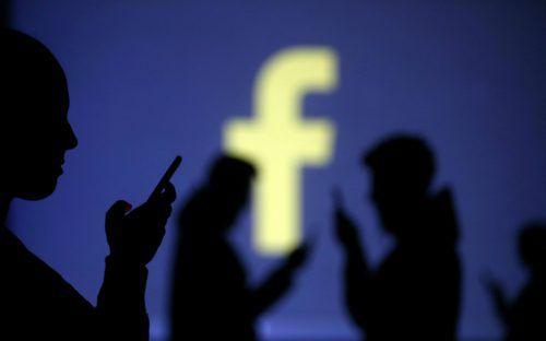 Weltweit sollen Daten von bis zu 87 Millionen Facebook-Anwendern auf unrechtmäßige Weise an Cambridge Analytica gelangt sein. reuters