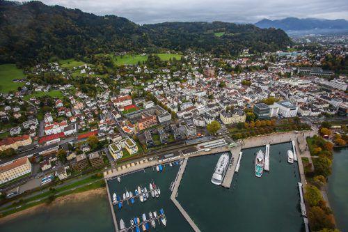Zwischen Pfänder und See ist in Bregenz das Wohnen besonders teuer. VN/Steurer