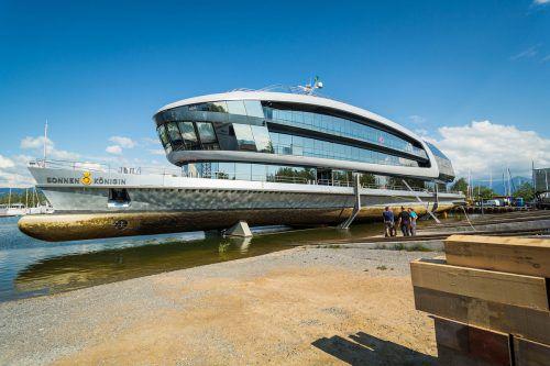 1,5 Millionen Euro investierte die Werft Fußach in den Umbau des Trockendocks, das nun groß genug für die Sonnenkönigin ist. FA/Fasching