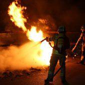Feuerteufel steckt Container in Brand