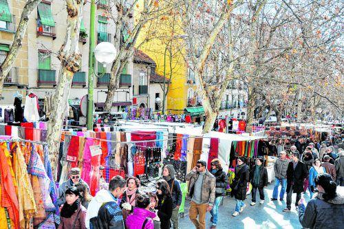 Auf dem beliebten Flohmarkt im Stadtviertel La Latina wird so gut wie alles angeboten.