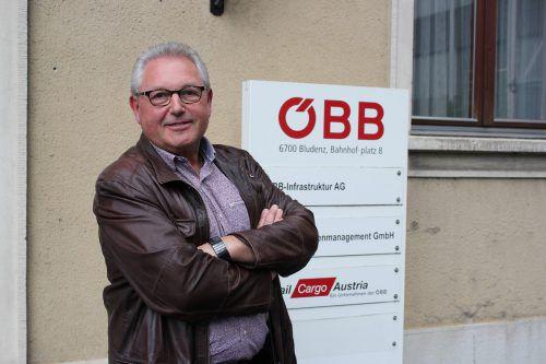 Bahnhofs- und Liegenschaftsmanager Franz Vögele vor seinem Büro in Bludenz. VN/JS