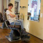 Silke Schöch vermietet Stuhl in ihrem Frisiersalon
