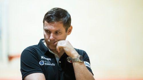 Daniel Dicker und Co. wollen sich voll ins Zeug legen. In den letzten zehn Heimspielen gegen West Wien gab der Alpla HC Hard keinen Punkt ab. gepa