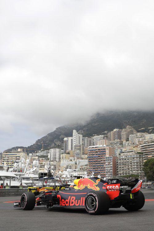 Daniel Ricciardo markierte am ersten Tag im Training für den Grand Prix von Monaco zwei Bestzeiten und einen Rundenrekord.ap