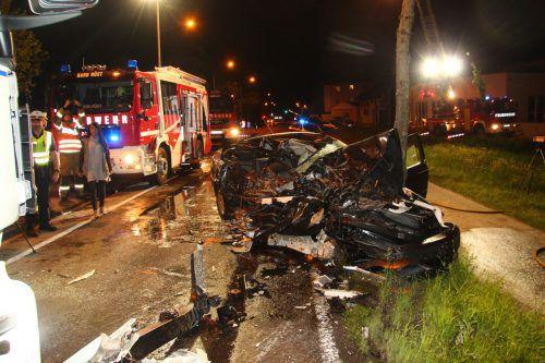 Das Auto des 43-jährigen Unfalllenkers wurde beim Zusammenstoß bis zur Unkenntlichkeit beschädigt. vol.at/vlach