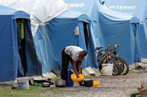 Das Ghetto San Ferdinando zählt zu den größten Italiens. Hier findet die Mafia billige Arbeitskräfte.AP