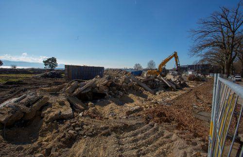 Das Strandbad Eichwald wird abgerissen. Es soll eine neue Therme entstehen. VN/RP