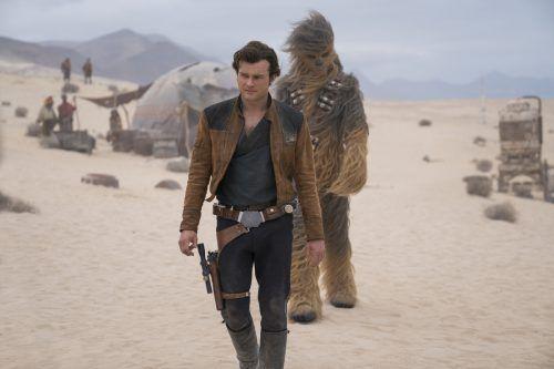 Das Werk fokussiert darauf, wie der junge Han Solo einst auf seinen künftigen Copiloten und treuen Wegbegleiter Chewbacca stieß.