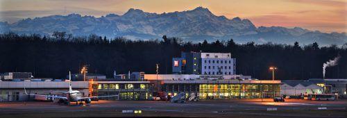 Der Airport Friedrichshafen verzeichnete im vergangenen Jahr rund 517.000 Passagiere. FDH