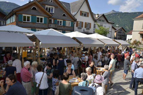 Der Bezauer Wochenmarkt startet heuer bereits in die dritte Saison.
