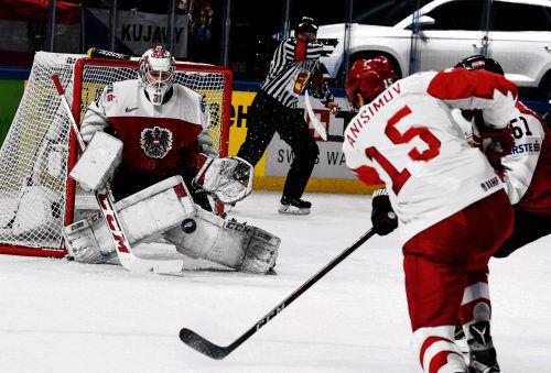 Der Feldkircher David Madlener stemmte sich mit dem österreichischen Eishockey-Team bei seinem WM-Debüt vergeblich gegen Russland und unterlag mit 0:7.afp