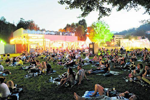 Der poolbar-Sommer mit viel Musik und großem Rahmenprogramm geht vom 6. Juli bis 14. August 2018 über die Bühne.matthias rhomberg