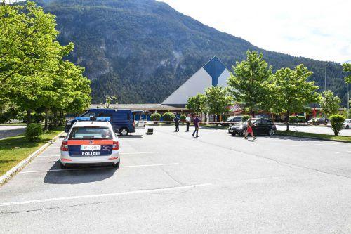 Tatort Imst. Auf diesem Parkplatz geschah am 13. Mai des Vorjahres die Bluttat. Ein 17-jähriger Lustenauer starb. apa