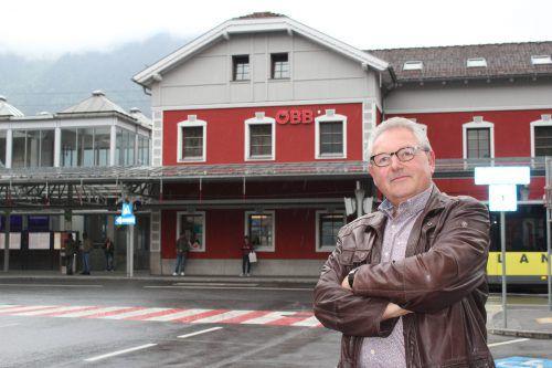 Die 34 Bahnhöfe – wie hier der Bahnhof in Bludenz – und rund 182.000 Quadratmeter Liegenschafts- und Gebäudeflächen werden seit 2000 von Franz Vögele betreut. VN/JS