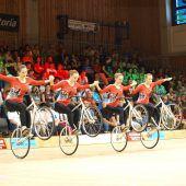 Erfolgreiche Zweiradkünstlerinnen