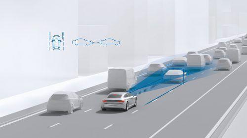 Die automobilindustrie ist Deutschlands innovativste Branche. Unter den zehn Unternehmen mit den meisten Patentanmeldungen im Jahr 2017 finden sich neun Fahrzeughersteller und Zulieferer, wie aus einer Statistik des Deutschen Patent- und Markenamts (DPMA) in München hervorgeht. Nummer eins mit 4038 eingereichten Innovationen ist die Robert Bosch GmbH.