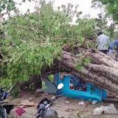 Mindestens 100 Tote bei Stürmen in Indien