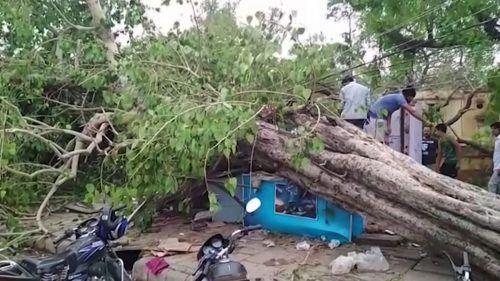 Die heftigen Stürme haben eine Spur der Verwüstung hinterlassen. AP