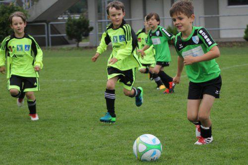 Die kleinen Kicker hatten beim Turnier sichtlich Spaß.