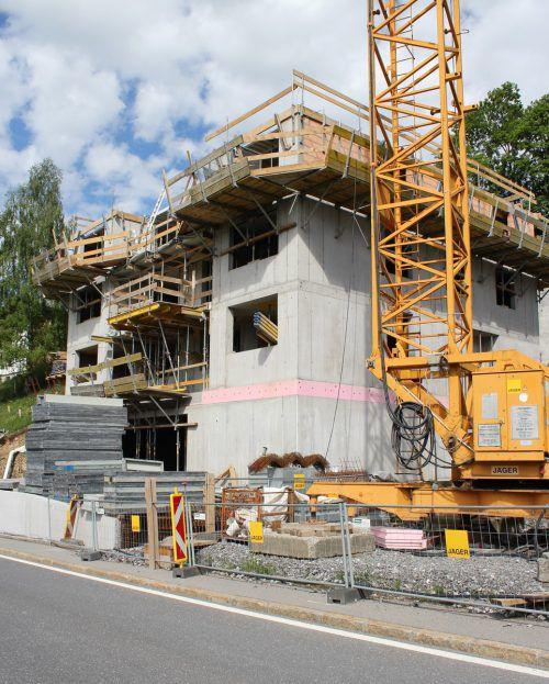 Die Rohbauten stehen unmittelbar vor der Fertigstellung. VN/JS