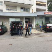 Polizist in Zivil verfolgte Räuber