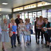 """<p class=""""caption"""">Die Teilnehmer wurden von den Seniorenberatern in der Bludenzer Bahnhofshalle geschult. BI</p>"""