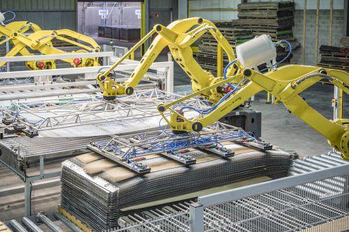 Durch die Erweiterung in Frankreich erhöht sich die Produktionskapazität um 20.000 Kubikmeter. Sechs Roboter sind am Werk. danzer