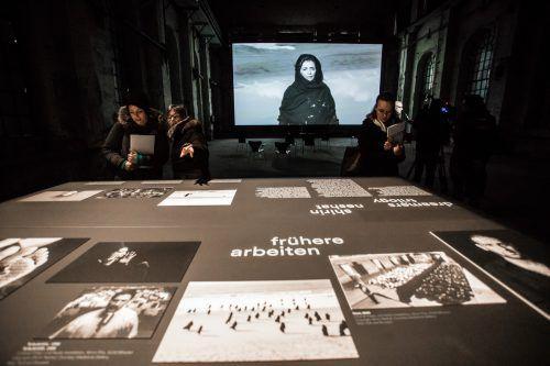 Ein traumartiger Bilderkosmos mit starken Frauencharakteren von Shirin Neshat.VN/Steurer