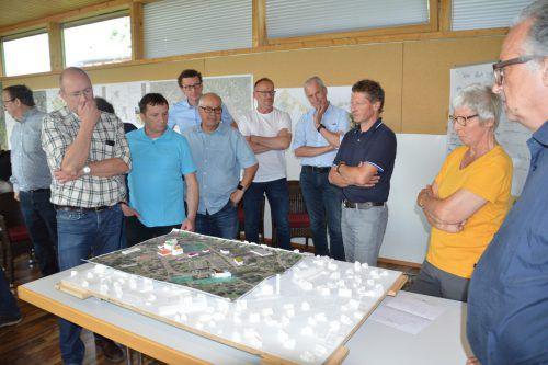 Entwicklung des Ortskerns in der Kummenberggemeinde Altach war Gegenstand eines Gemeindevertreter-Meetings im Bregenzerwald. VN
