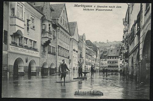 Feldkirch stand am Morgen des 15. Juni vollständig unter Wasser, die Ill hatte das Städtchen in ein zweites Venedig verwandelt.ansichtskartensammlung, Vorarlberger Landesbibliothek