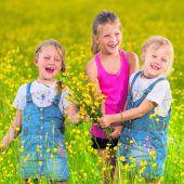 Glückliche Blumenkinder