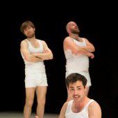Mannsbilder im Aktionstheater. D6