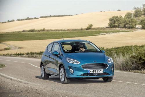 Ford Fiesta: Der Dreitürer ist in vier, der Fünftürer in sieben Ausstattungsstufen zu haben. Als Antrieb stehen zwei Benziner und ein Diesel zur Wahl.