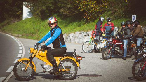 Für die Strecke ist eine Fahrzeit von 5 Stunden und 50 Minuten vorgesehen. Vorarlberger Moped Ride