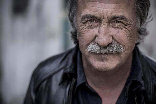 """Gert Steinbäcker bringt viele Hits und Lieder aus seinem neuen Album """"Ja eh"""" mit. CHRISTIAN JUNGWIRTH"""