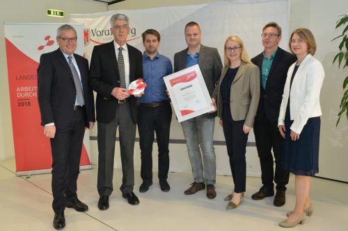 Geschäftsführer Manfred Strauß (Omicron) sowie Antony Melck (Rieger Orgelbau) nahmen die Auszeichnung entgegen. vlk