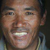 Zwei Sherpas brachen Rekorde für meiste Everest-Besteigungen
