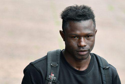 Mamoudou Gassama (22) ist seit Dienstag nicht mehr illegal in Frankreich. afp