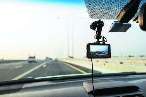 Miniautokameras dürfen zwar montiert werden, aber ständiges Filmen ist verboten.